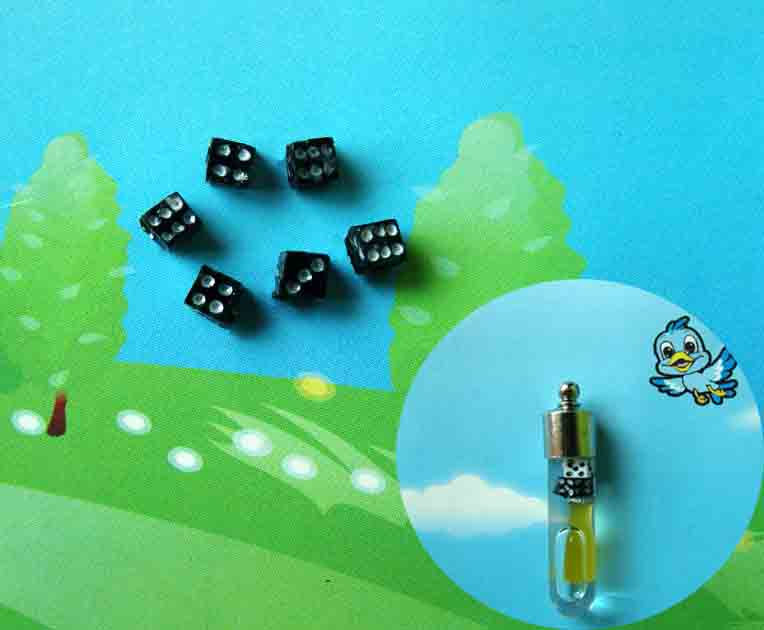 Hand-Painted Black Dice(sold in per package of 25 pcs)