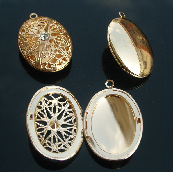 27x18MM Brass Oval Locket With Carving Hollowed Designs