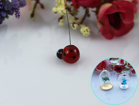 10x13MM Ladybug With Hanging Iron Wire