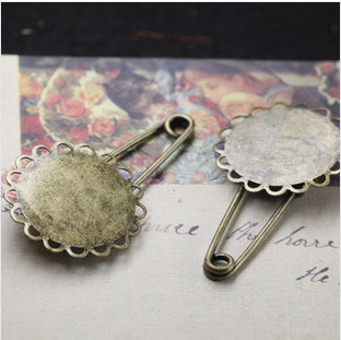 20MM Brass Antique Bronzed Pin Brooch with Round Lace Cup