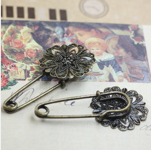 21MM Antique Bronze Flower Brooch Pin