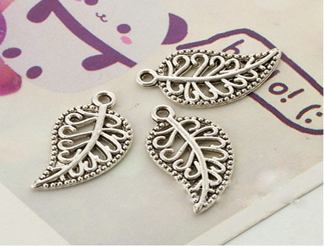 16X10MM Leaf charm Pendant ( double sided )