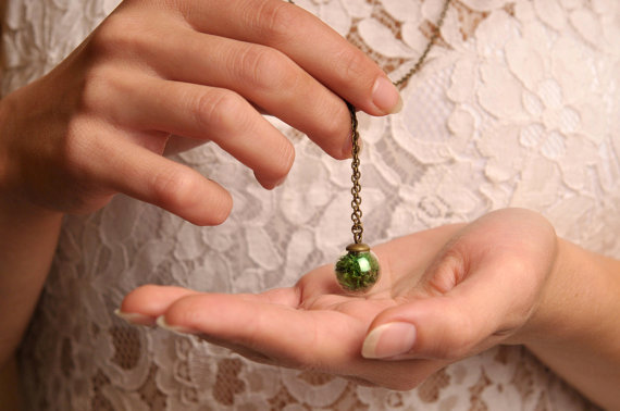 16MM Glass Ball Real Moss Necklace