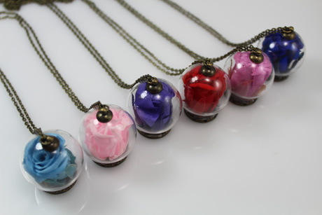 30MM Preserved Fresh Flower Glass Globe Necklace