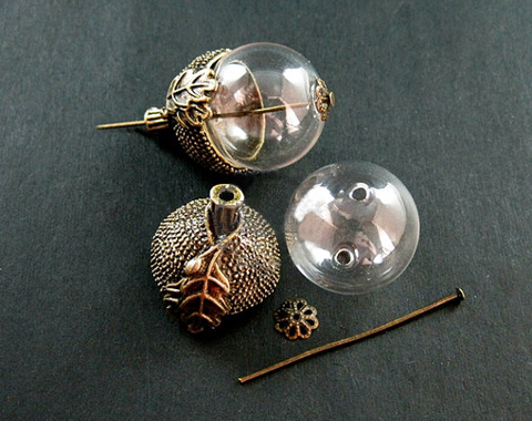 18/20MM Glass Ball With Antique Metal Acorn Cap