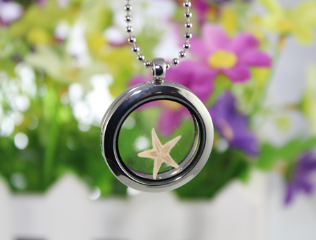 30MM Floating Glass Locket necklace with natural beach seastar inside