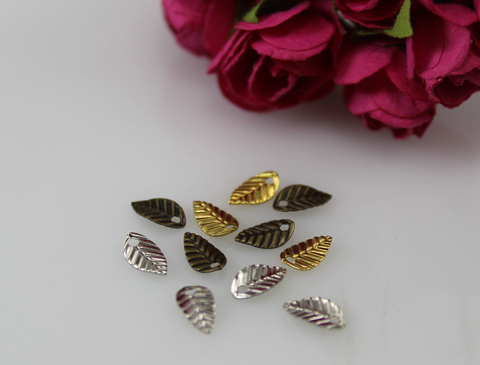 4X7MM Mini Leaf Charm Pendant (Sold in a package of 20pcs)